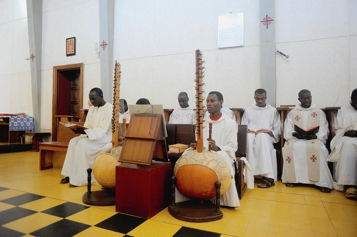 Keur Moussa monks with koras