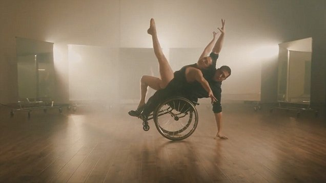 Wheelchair dancing (Infinite Flow)